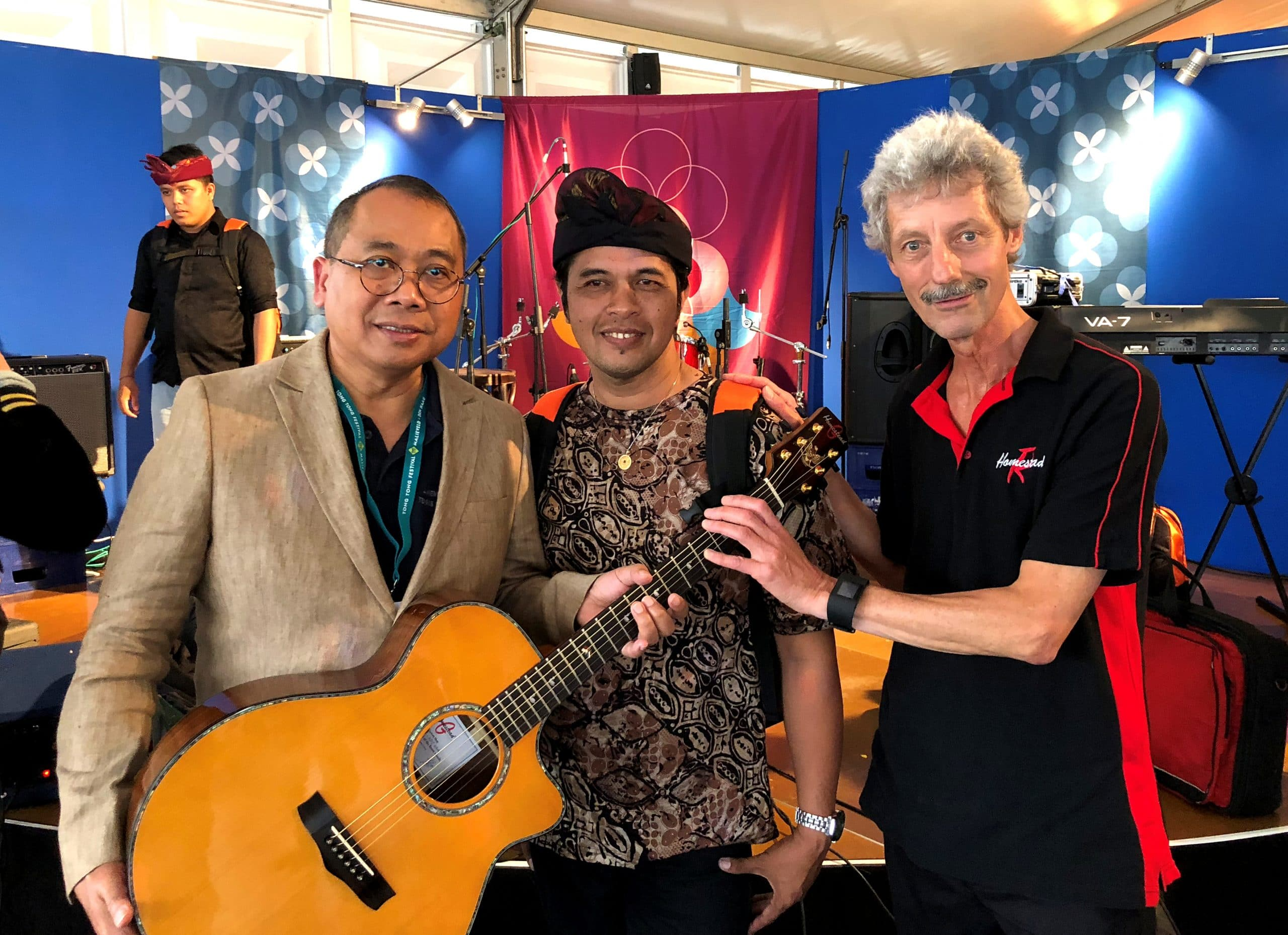 A guitar for Indonesian Embassy
