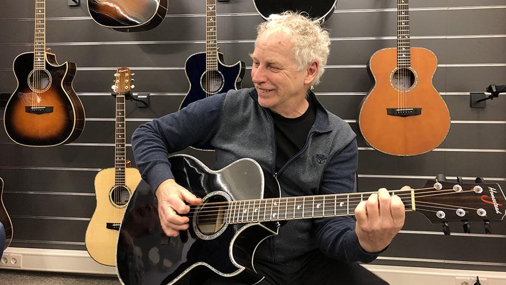 Jan Hendriks nu ook een Homestead gitaar (Doe Maar)